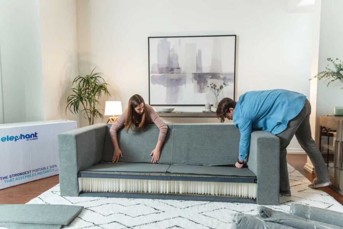 Set Sofa Lengkap Ini Boleh Dilipat Seperti Akordion Untuk Dimasukkan Dalam Kereta